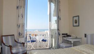 Chambre d'hôtel en journée Cannes